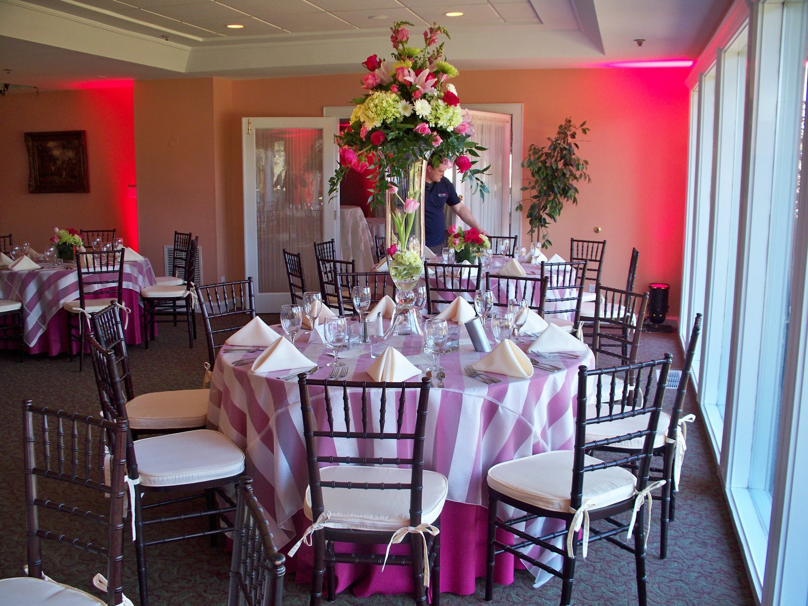 What Tables Do You Need At A Wedding: The Willrich Wedding Planner's Blog: Tables And Linens For
