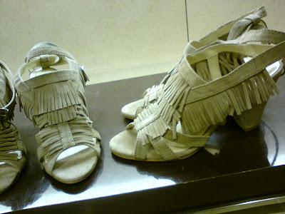 Adicta a los zapatos: Zapatos tacón medio de Zara