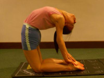 janet yoga hut yoga posture the camel ustrasana