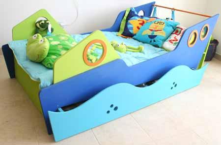 Cama barco cama bote en dormitorio para ni o for Camas para chicos