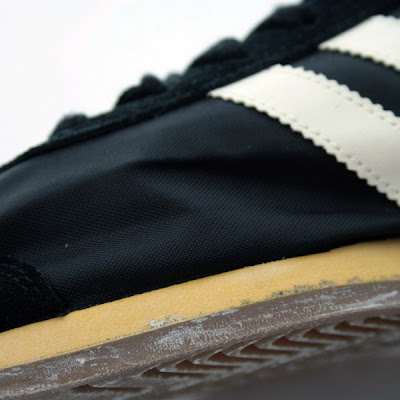 huge discount 3a517 338b0 adidas County O Vintage Sneakers