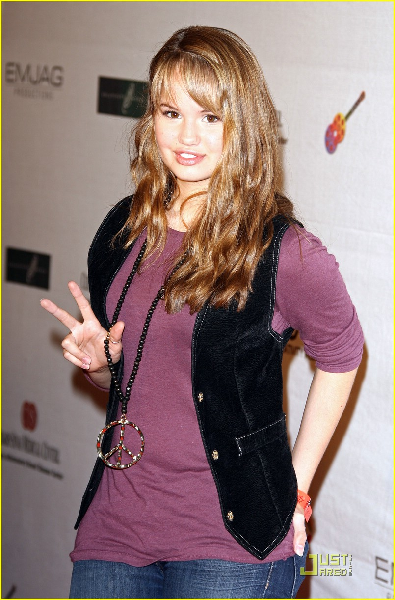 Hot Stars Celebrity Pictures Debby Ryan Hot Body
