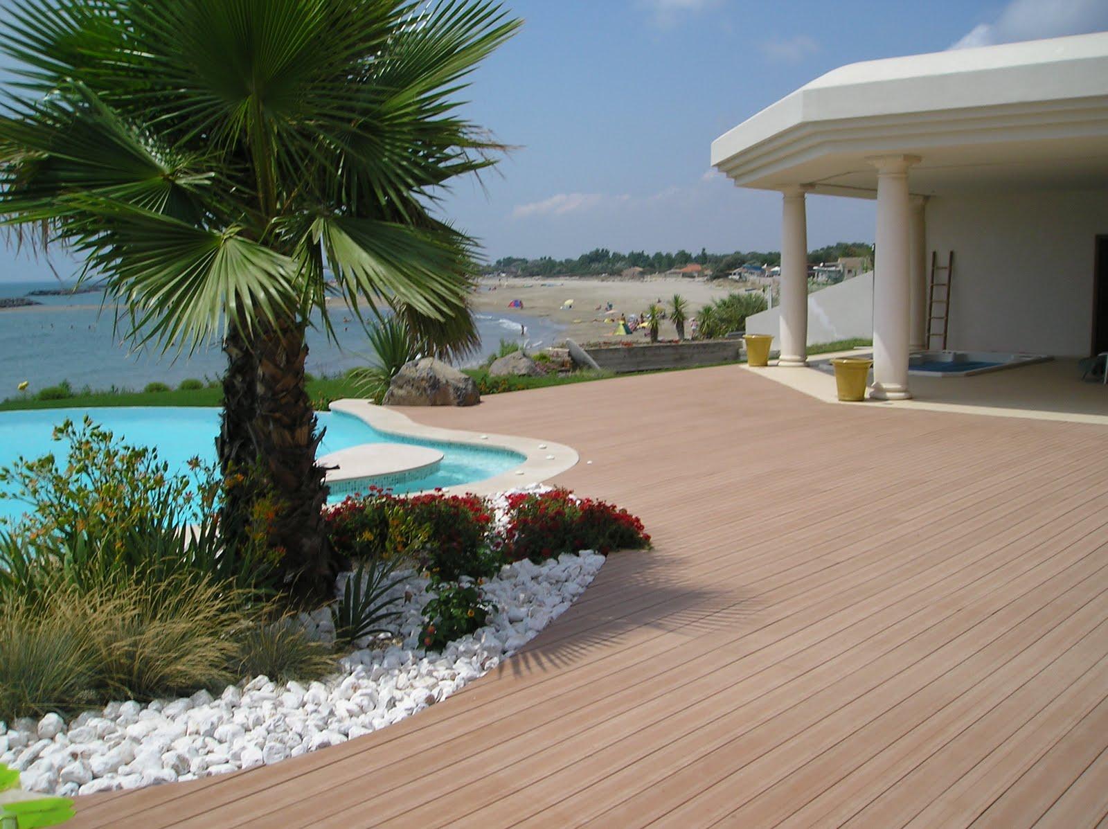 kinderzimmers terrasse en bois ou composite une piscine. Black Bedroom Furniture Sets. Home Design Ideas