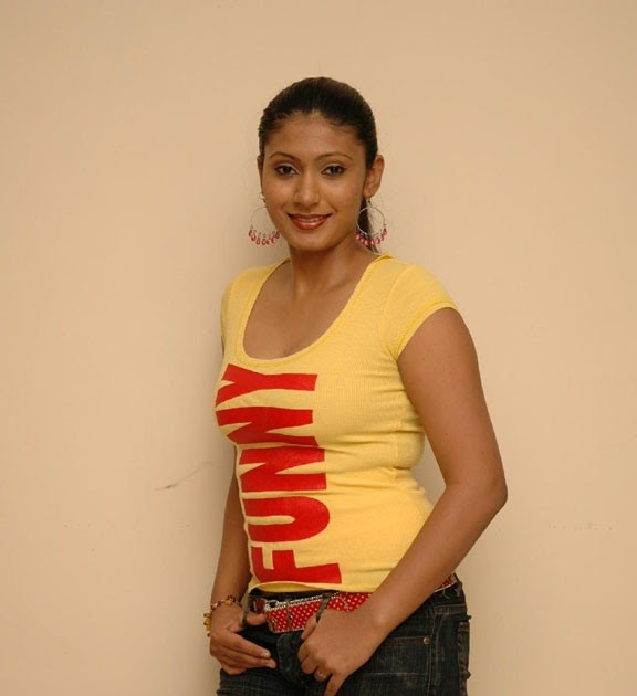 SL Hot Actress Pics: Beautiful Teledrama Actress Yamuna
