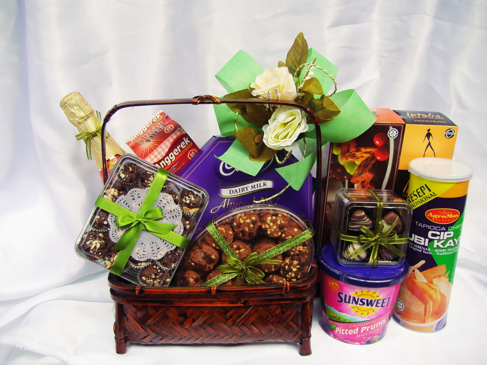 Sweeties Gifts Amp Hampers 1 Malaysian Hamper