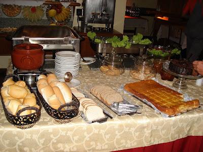 FELIZ Domingo para todos amigos! Desayunos y cafe-http://2.bp.blogspot.com/_KwhfnopZWEk/SGjOByk4vmI/AAAAAAAAB7I/dCuPkiE0_0w/s400/SAN+PABLO-URUGUAY+2008+050.jpg