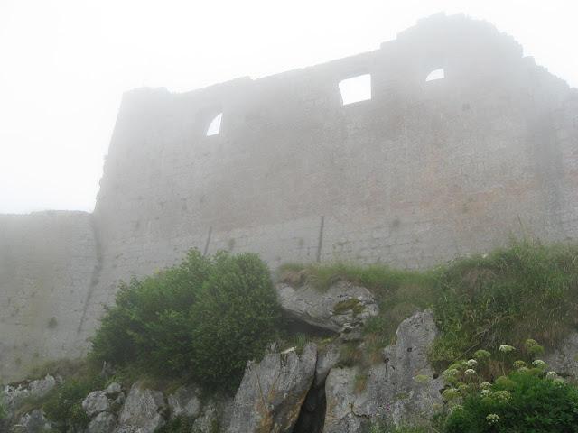 Monsegur, último castelo cátaro tomado pelos Cruzados no sul da França.