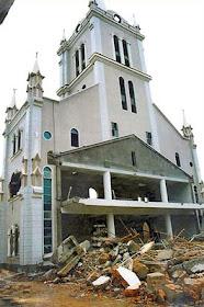 Fuzhou, igreja leal a Roma demolida