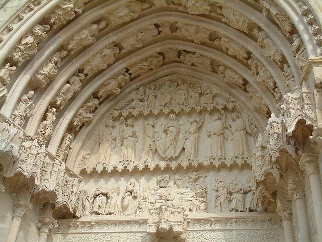 Bourges, espessura paredes