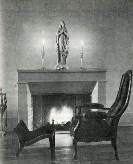 Nevers, enfermaria da Santa Cruz, poltrona onde morreu Santa Bernadette