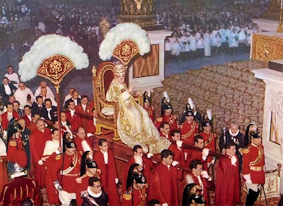Papa Pio XII na sedia gestatoria, basílica de São Pedro, Roma