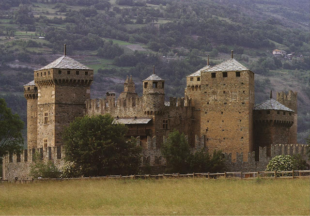 Castelo de Fenis, Val d'Aosta, Itália.
