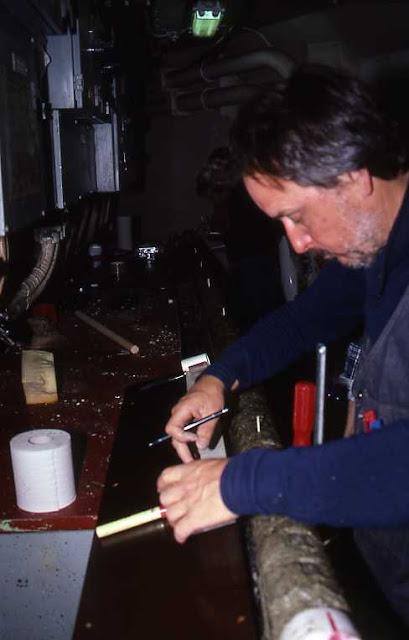Nils-Axel Mörner trabalhando na Antártica em 1989