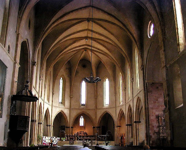 Igreja da abadia de São Volusien, onde o barão foi salvo