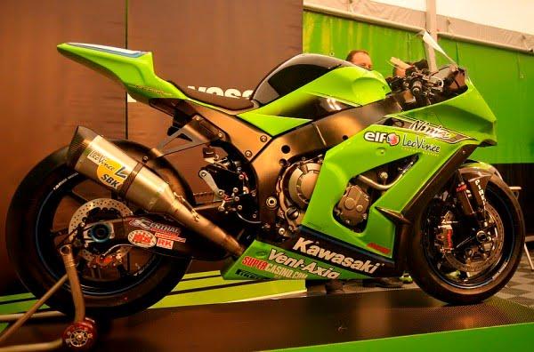 Sports Cycle: New Kawasaki Ninja ZX10R Race Bike 2011