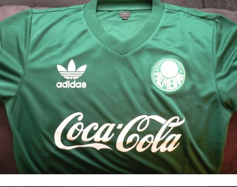adidas - Camiseta Palmeiras Retrô Goleiro Uniforme relembra a atuação do  atacante Gaúcho b45d04994817f