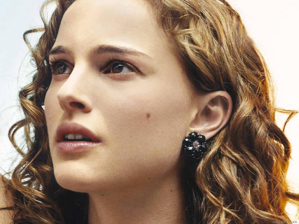 Natalie Portman Hollywood Wallpapers: Natalie Portman Hot Wallpaper