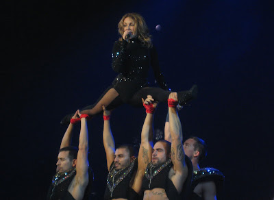 kylie1 KYLIE MINOGUE: Hammerstein Ballroom NYC + Speakerphone Tour Version