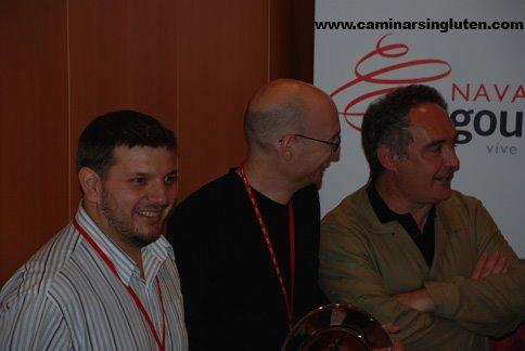 Ferrán Adria con los bloggers premiados en Navarra Gourmet 2009