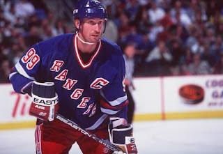 new product 19936 e7bb1 pittsburgh penguins: Wayne Gretzky's Helmet