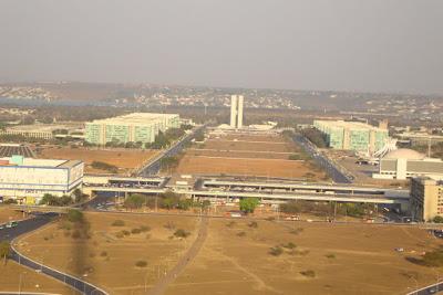 Brasília vista da Torre de TV em período de seca.