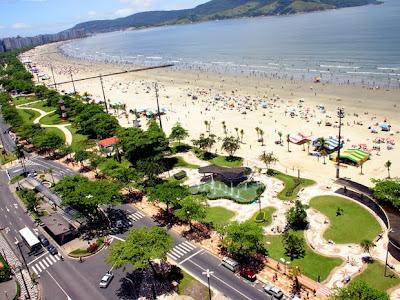 Calçadão da praia em Santos -SP