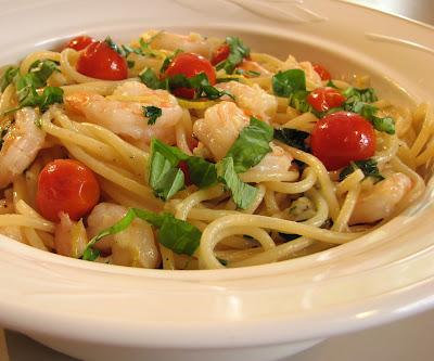 Pasta with Shrimp, Tomatoes, Garlic, Lemon and Basil