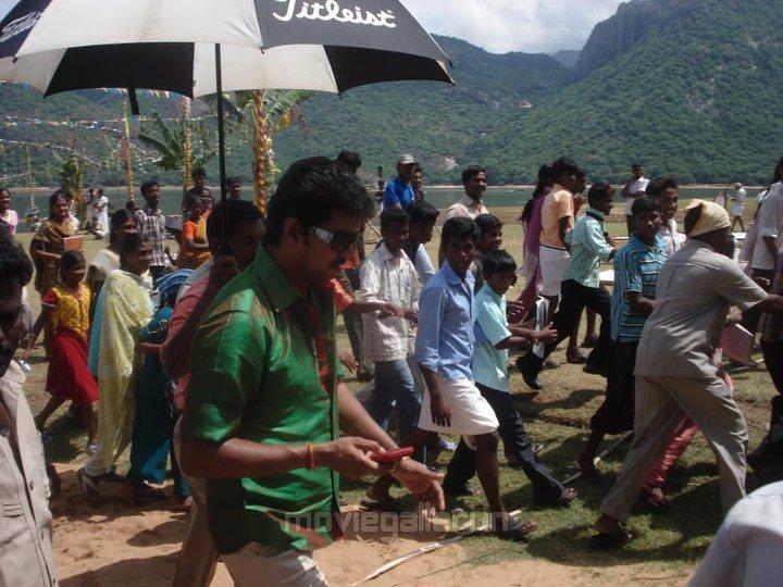 Jr Ntr Hd Wallpapers Velayudham Shooting Spot Stills Velayutham Shooting