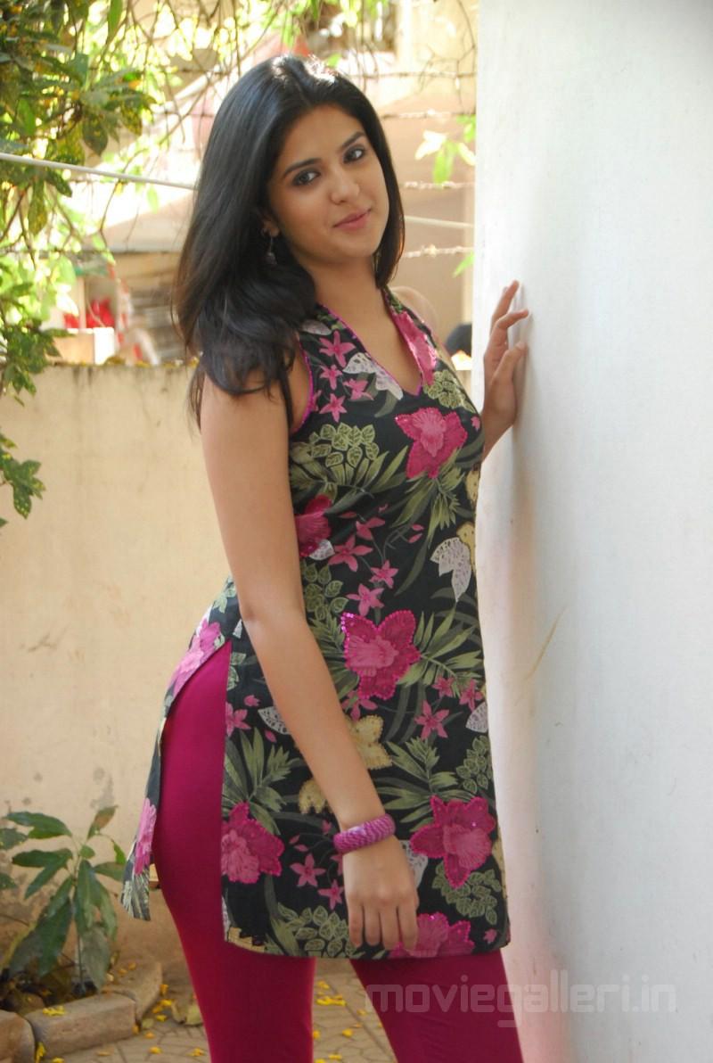 Gujarati indian college babe jasmine mathur garba dance - 2 9
