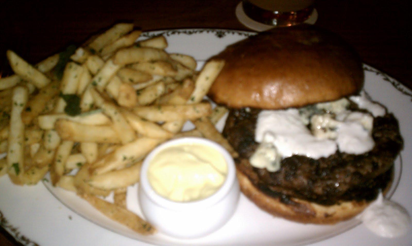 The Savory Hunter: Off the Menu: Burger at The Tasting Kitchen