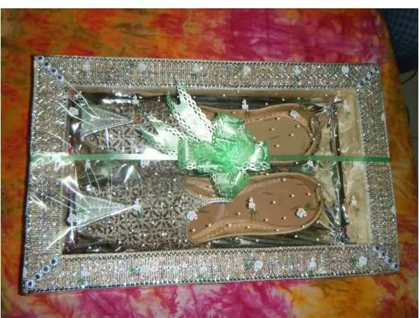 Novel Wedding Gifts: Bride And Groom Gift Packing Ideas