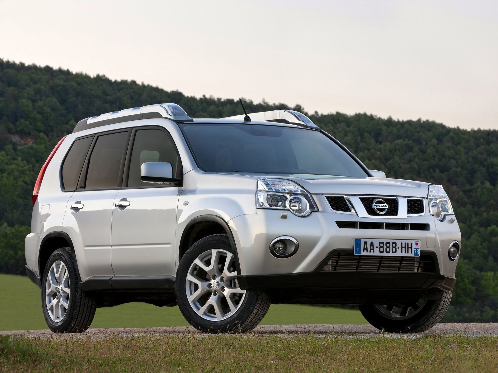 2011 NISSAN X-Trail Car Photos, Accident Lawyers Information