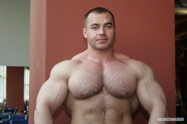 Muscle Lover: Russian beefcake Alexander Kodzoev