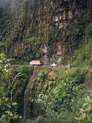 La Carretera De La Muerte En Bolivia Cosas Unicas