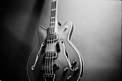 fender_coronado_bass,1966,guild_starfire,epiphone_rivoli,Roger_Rossmeisl,Rickenbacker,DeArmond_pickups,Wildwood,gibson