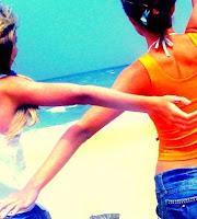 Fakes: Meninas de costas