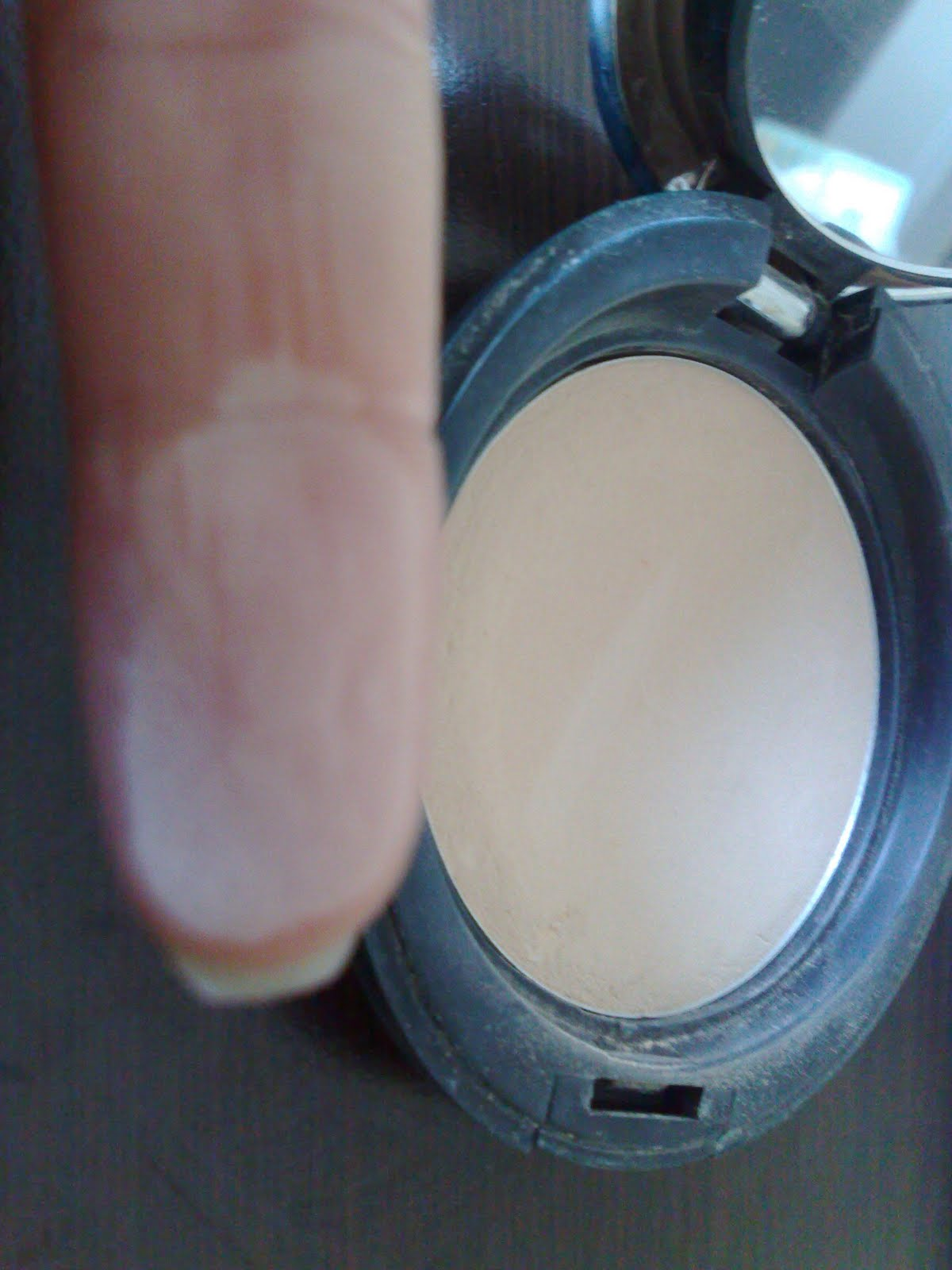 Dee Makeup: The Body Shop All In One Face Base