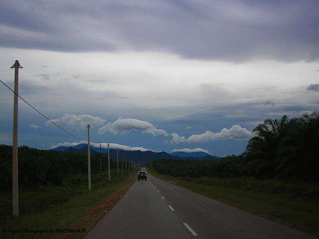 Straight road at Mampaga