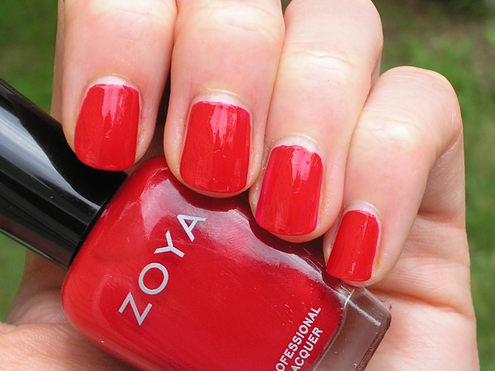 Never Enough Nails: Don\'t Forget: Free Zoya Polish!