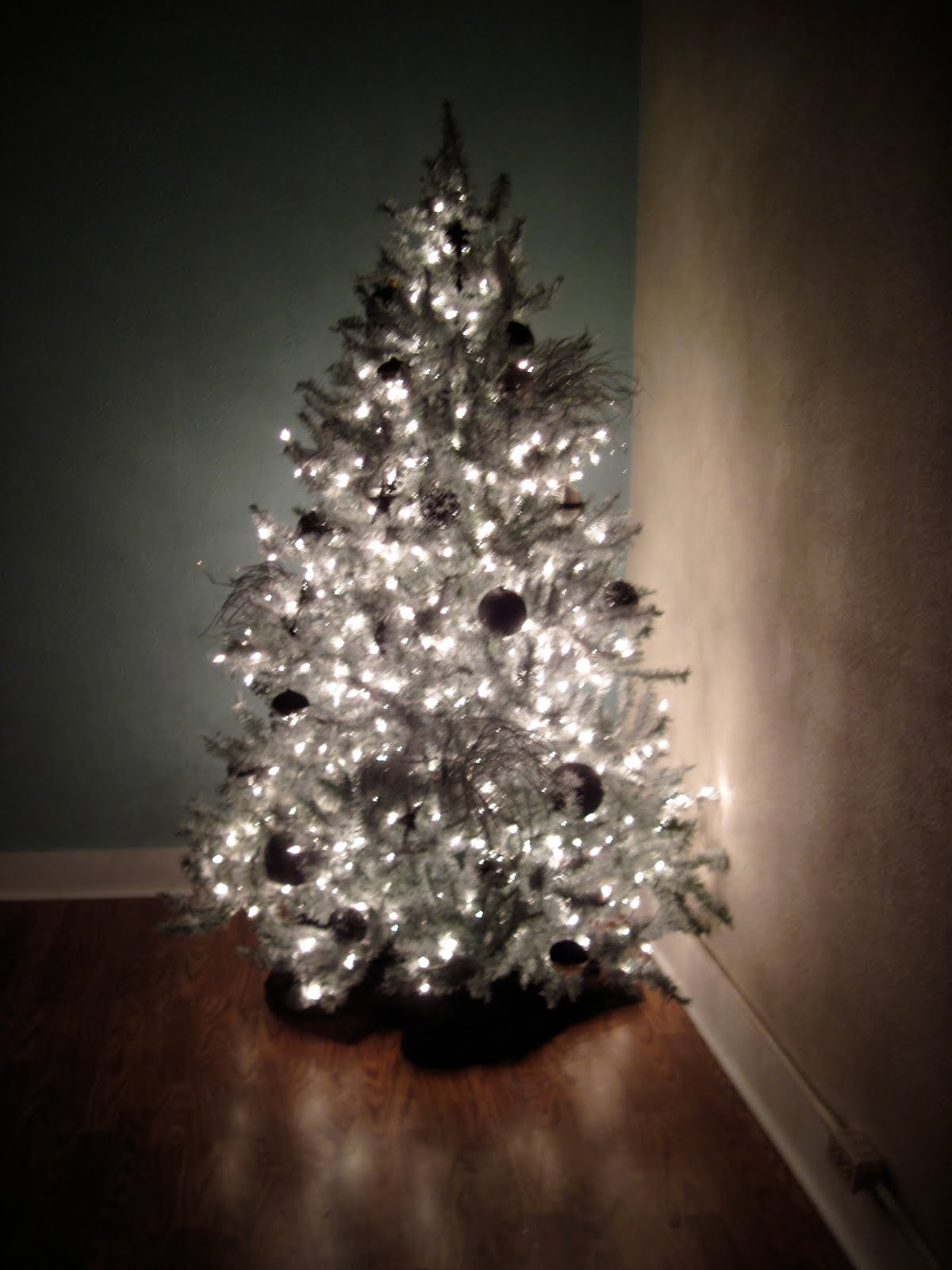 Life Being Blogged Spray Painted Christmas Tree