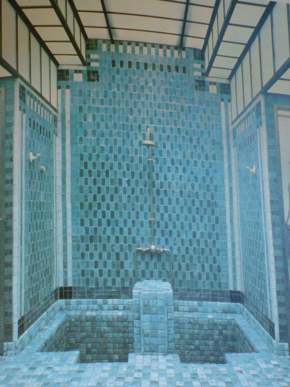 Salle De Bain Marocaine Deco | Salle De Bains Marocaine Nos ...