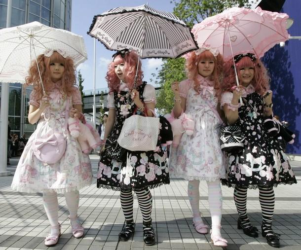 Lolita Dresses - WTF?