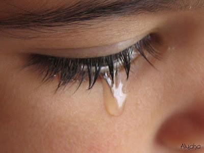 من يشتــرى {دمـوع} عينيـــكـ ..!! tears.jpg