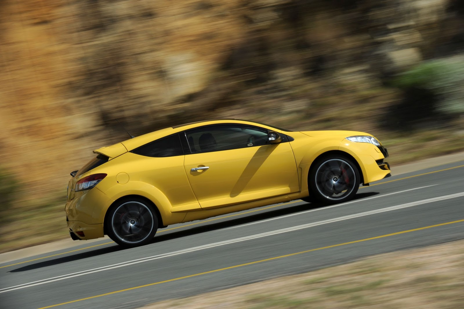 Megane Rs 2010 : mini coupe concept feverish renault megane rs tops hot hatch pile ~ Medecine-chirurgie-esthetiques.com Avis de Voitures