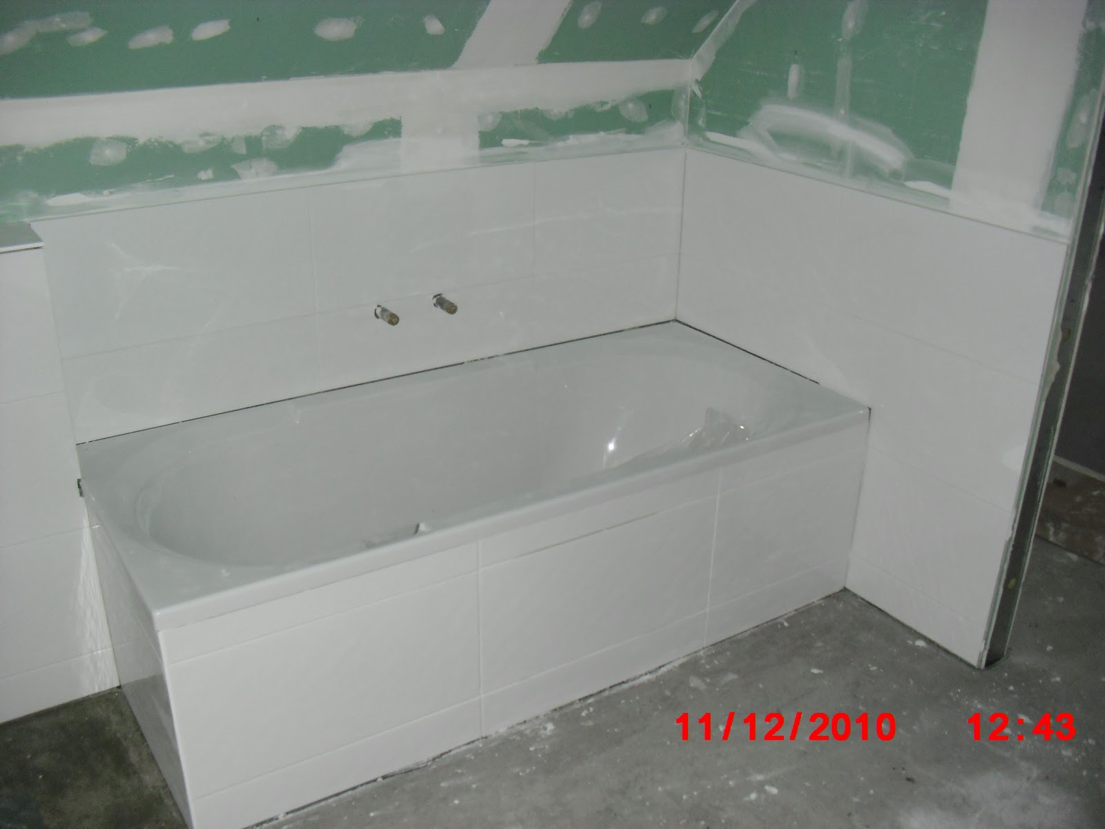 unser gaensebluemchen fliesen fertig. Black Bedroom Furniture Sets. Home Design Ideas