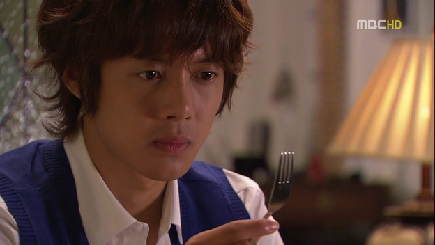All Sorts of Wonderful: [Picture recap] Playful Kiss Episode 8