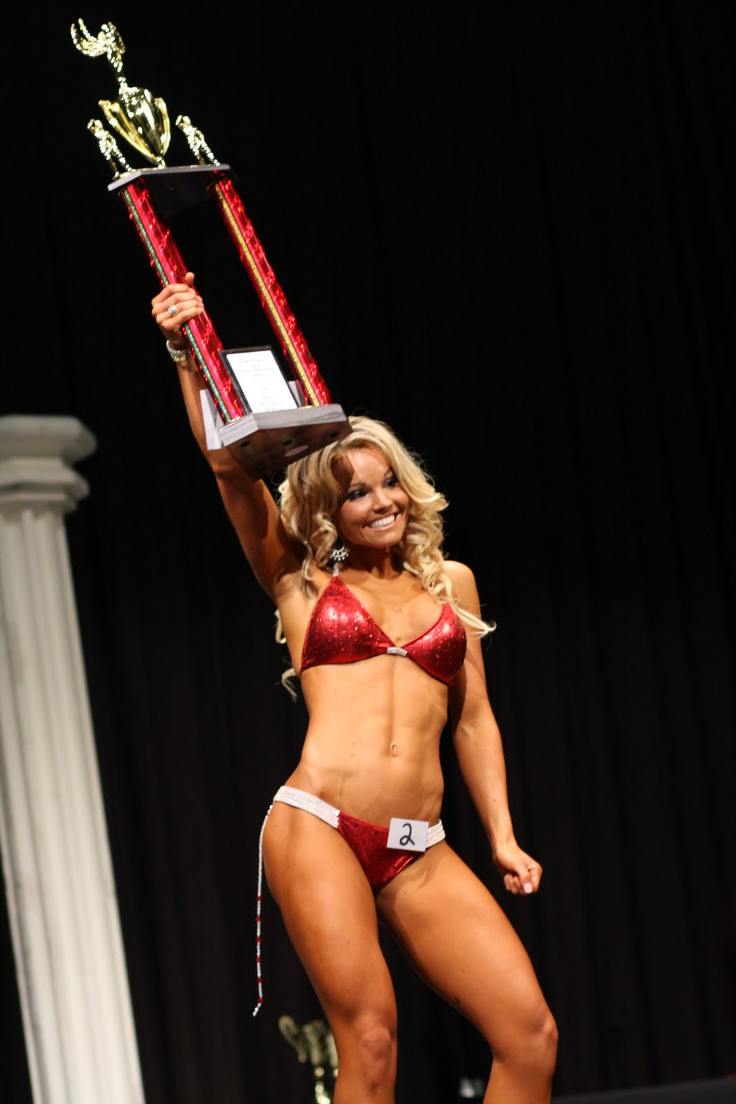 05e2302cf269e The winner of the short class had great stage presence as I mentioned  earlier but Justine had amazing stage presence and a physique that matches  ...