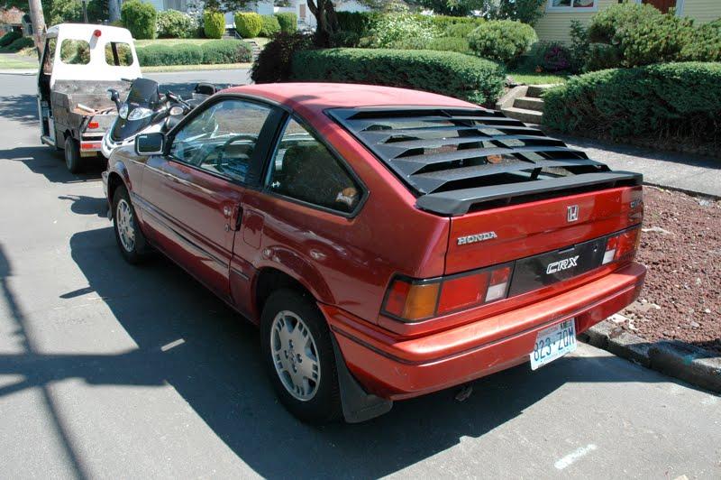 OLD PARKED CARS.: 1985 Honda Civic CR-X.