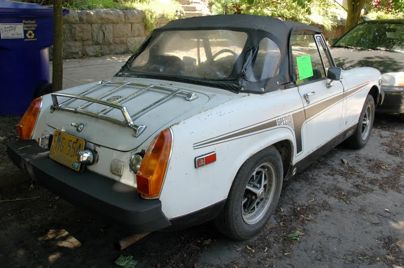 Old Parked Cars   1976 Mg Midget 1500 Special