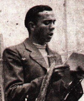 Miguel Hernández recitando